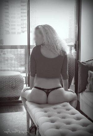 Janate milf incall escort