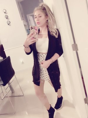 Souare milf incall escort in Cabot