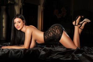 Jaouhara escorts